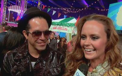 Los famosos derrocharon amor en la alfombra de Premios Juventud