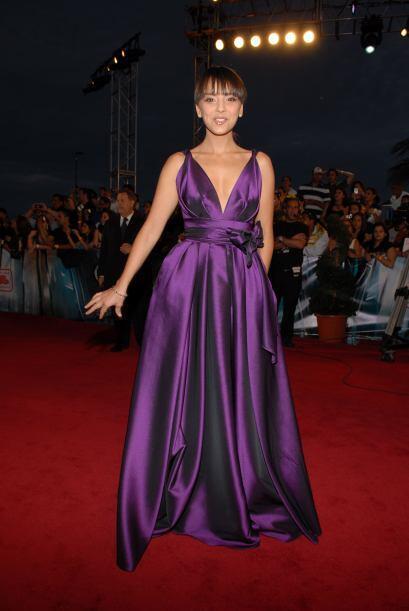 7. Chenoa- El morado estaba de moda en todas las alfombras del 2009, per...