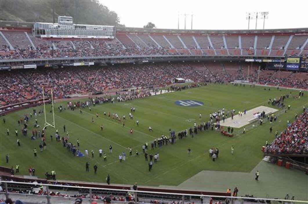 El mítico Candlestick Park, hogar de los San Francisco 49ers de 1971 al...