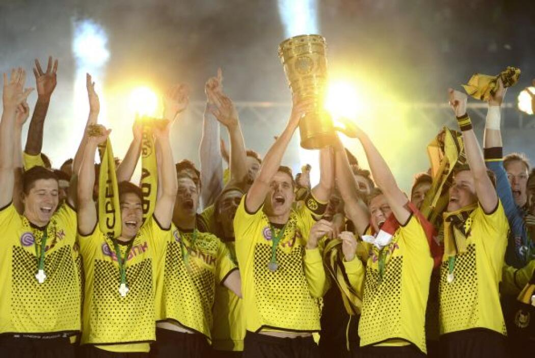 11. BORUSSIA DORTMUND- La marca de este equipo alemán tiene un valor de...