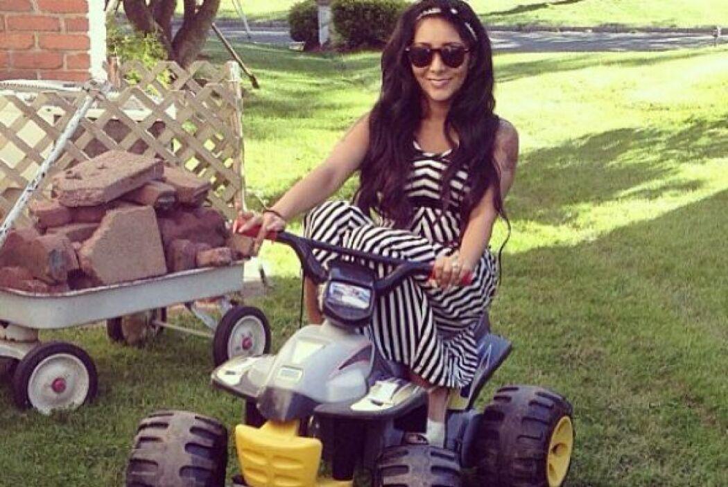 Snooki, del reality show 'Jersey Shore', se divierte como una niña con l...