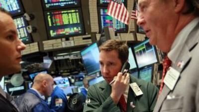 Wall Street perdía por la crisis de deuda en Europa.