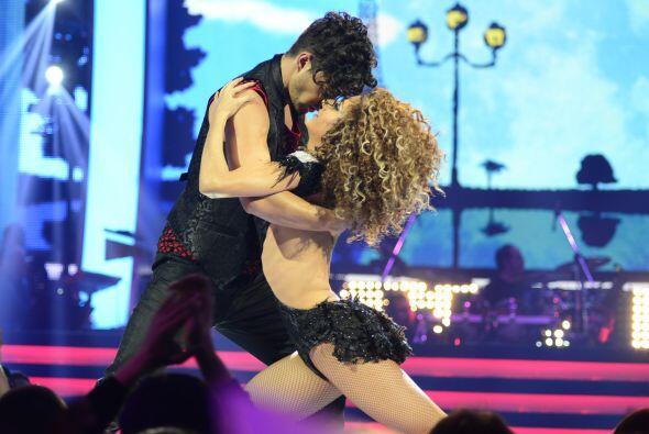 "Joyce realizó un sensual musical al estilo de ""Moulin Rouge&..."