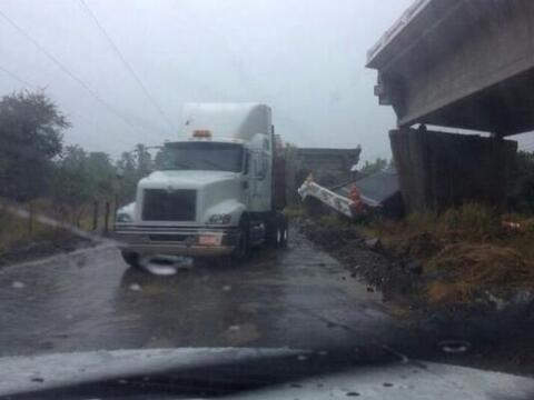 Sismo y fuerte lluvias azotan a Guerrero, México. Aún cuan...