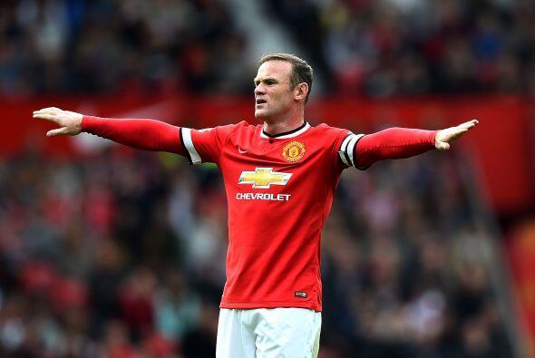 Quien no paraba de llamar la atención con su gol era Wayne Rooney, quien...