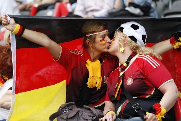 Mientras tanto en Alemania arrancó el Mundial Femenino y el equipo local...