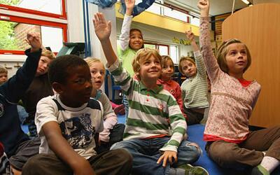 Conozca qué derechos tienen los niños si son interrogados por autoridade...