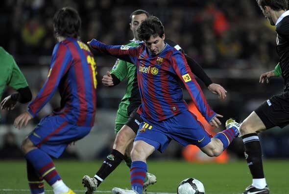 Messi tuvo un partido sin muchas exigencias, aún así lució y dio el pase...