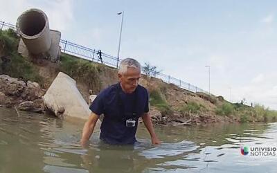 Jorge Ramos nadó el Río Bravo