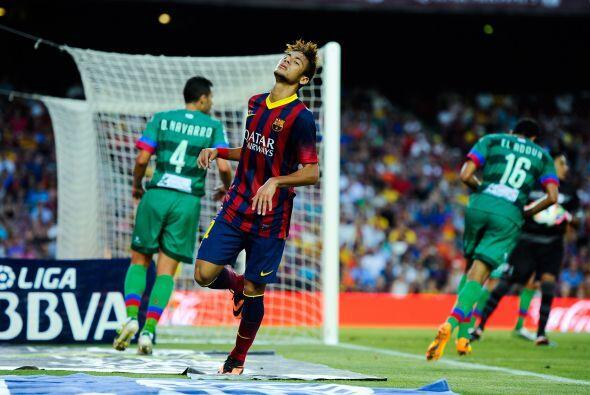 Neymar no pudo hacer su gol luego de sus primeros minutos en el torneo e...