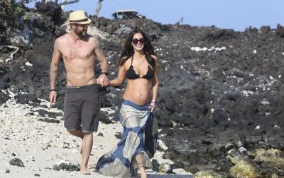 Los famosos andan de manita sudada caminando por las playas de Hawaii.