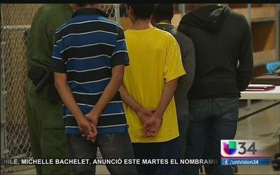 Angelinos preocupados por deportación de niños