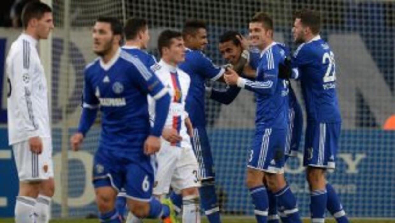 El Schalke completó a los tres clubes alemanes que estarán en octavos de...