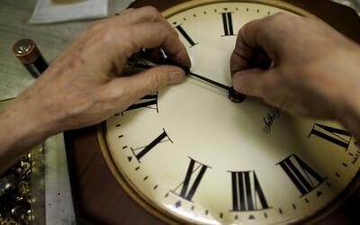 Presentan propuesta para eliminar el cambio de hora en California