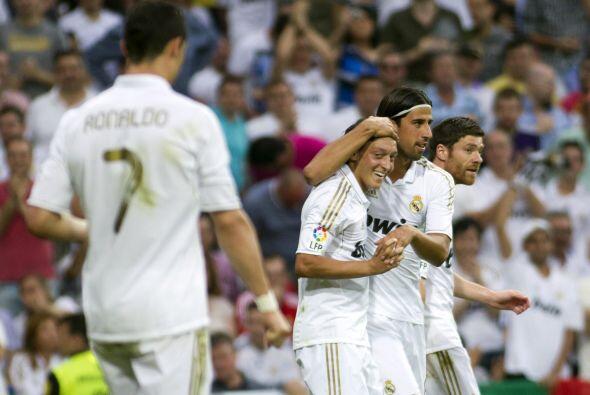 El 'Maguito' Özil convirtió dos tantos y de este modo el Real Madrid gan...
