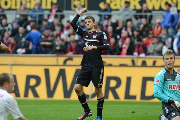 El jugador del Bayern Munich convirtió dos goles en contra del de...