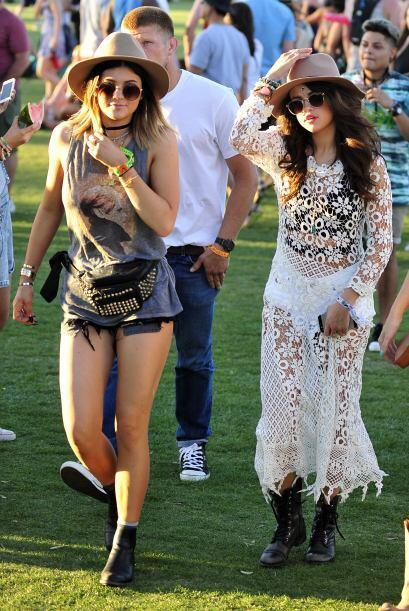 Selena Gomez sorprendió en el evento con un vestido completamente...