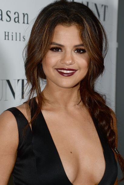 Selena Gomez es una chica encantadora y dulce. Mira aquí lo último en ch...