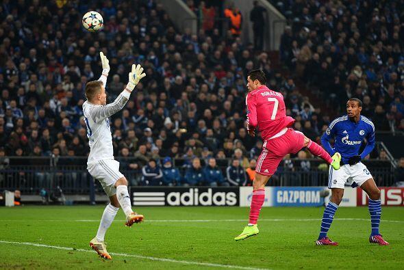 18 de Febrero - Real Madrid pone medio pie en cuartos - El Real Madrid d...