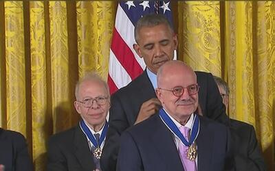 Presidente de Miami Dade College recibió de manos de Barack Obama la Med...