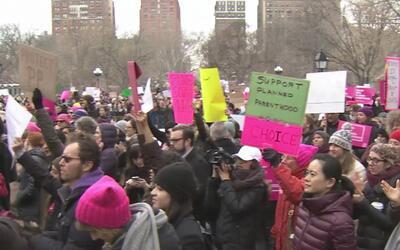 Activistas alzaron su voz a favor del aborto y otros servicios de Planne...