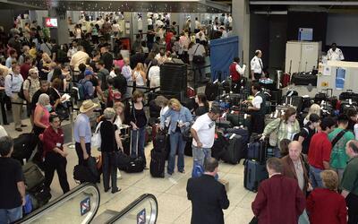 Aeropuertos de todo el país, abarrotados durante este fin de semana feriado