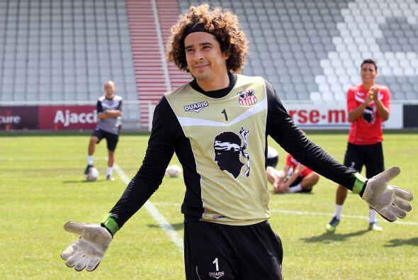El portero mexicano afirmó años después, que su decisión de jugar con Aj...