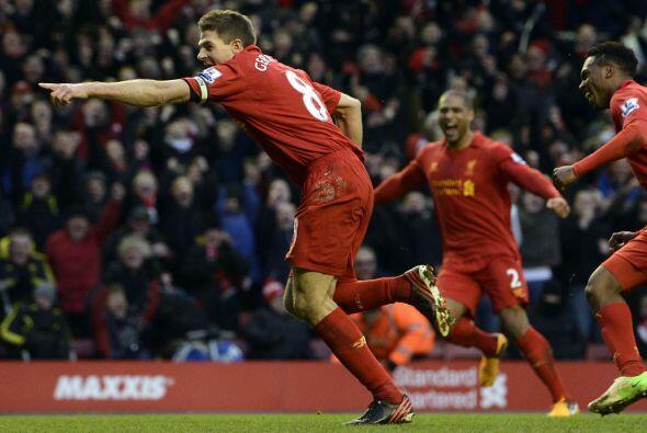 El capitán de los 'Reds' fue el cobrador del penalti con el que el cuadr...