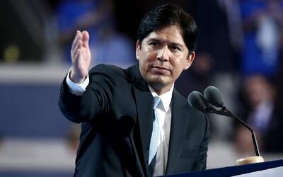 El presidente del senado presentó propuesta para ayudar económicamente a...