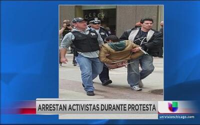 Arrestan a activistas que intentaban cerrar el acceso a la bolsa de valo...