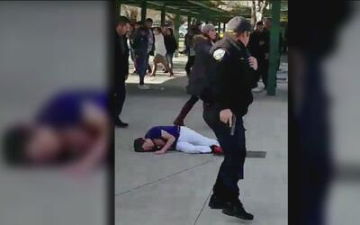 Adolescente es herido de bala al amenazar a sus compañeros de secundaria...