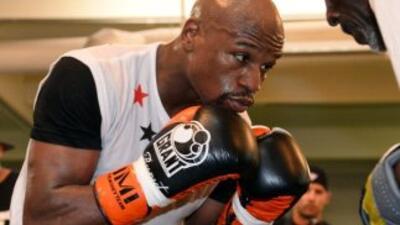 Floyd Mayweather Jr. llamó la atención a su vida personal a días de su p...