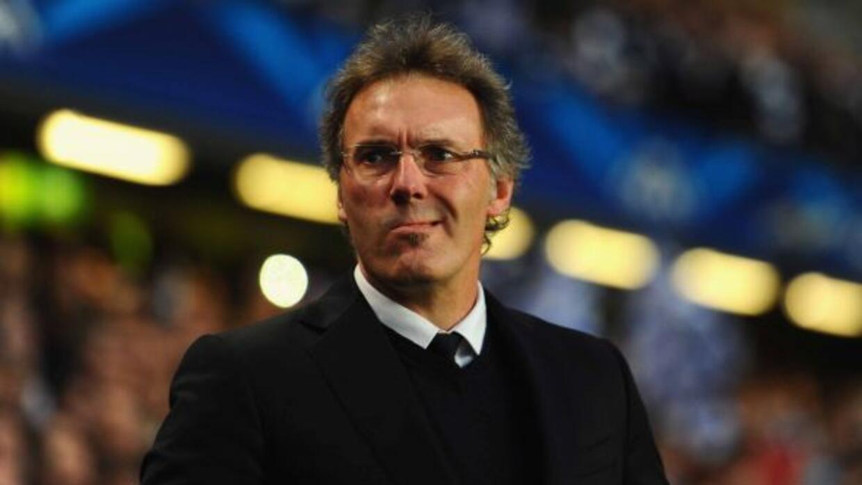 El entrenador francés del PSG, que en su momento jugó con el Barcelona,...