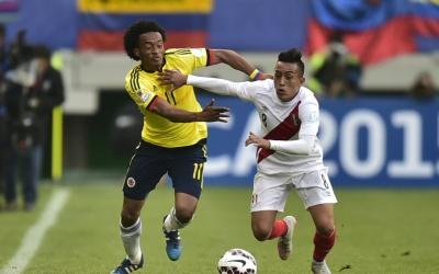 Colombia y Perú se enfrentan en Bogotá.