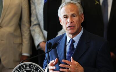 Gobernador de Texas firmó una ley que castiga severamente las relaciones...