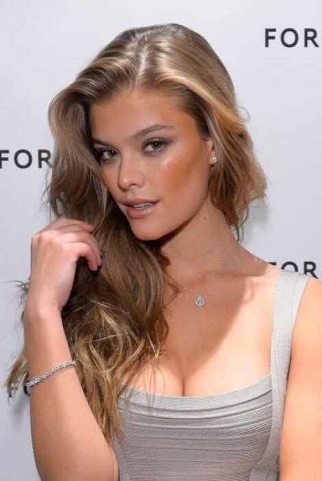 37. Nina Agdal Una modelo con la mirada más coqueta y sugestiva que verá...