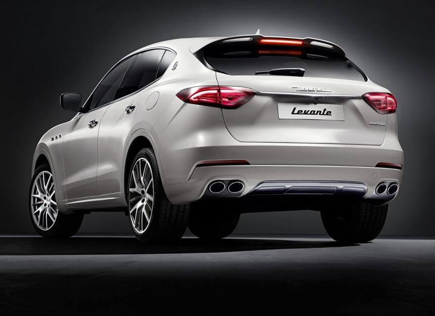 La ventana trasera de la Maserati Levante sacrifica espacio de carga a f...