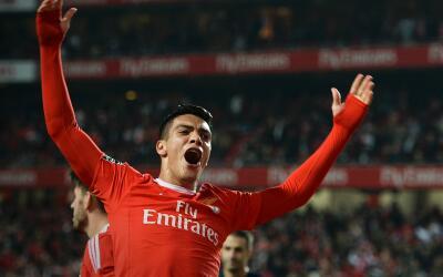 Jiménez marcó en la goleada del Benfica