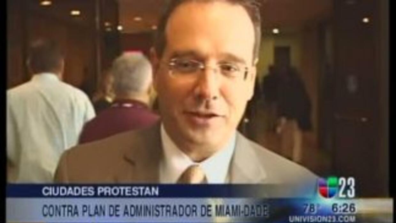 El administrador del Condado de Miami-Dade, George Burgess, anunció su r...