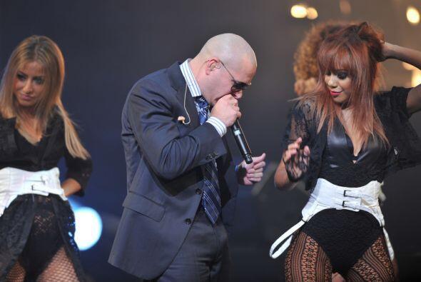 Pitbull se dedicó a cantar, pero siempre hay espacio para poder observar...