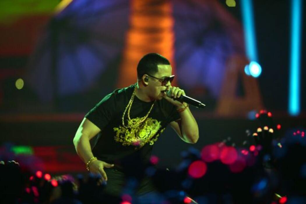 El cantante podría llevarse los premios de Álbum Urbano del Año por 'Imp...
