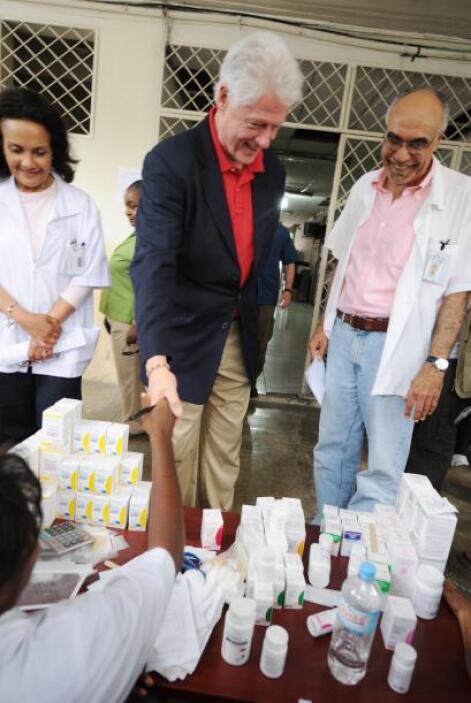 El ex presidente estadounidense Bill Clinton encabezó en Santo Domingo l...