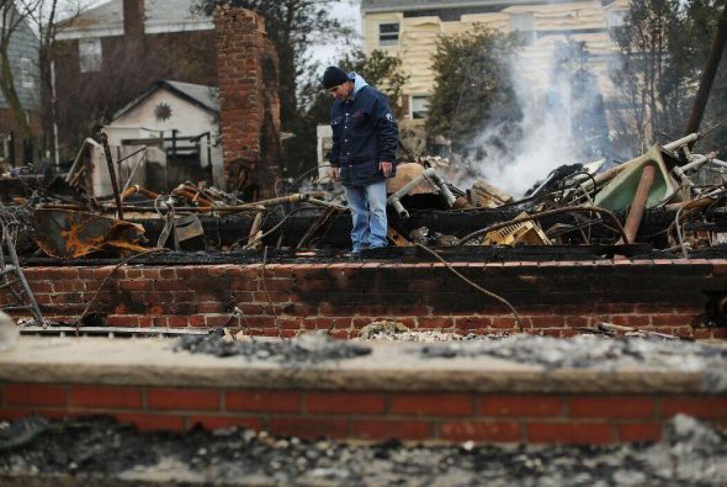 """Noviembre 2- Los fallecidos por la tormenta """"Sandy"""" en Estados Unidos su..."""