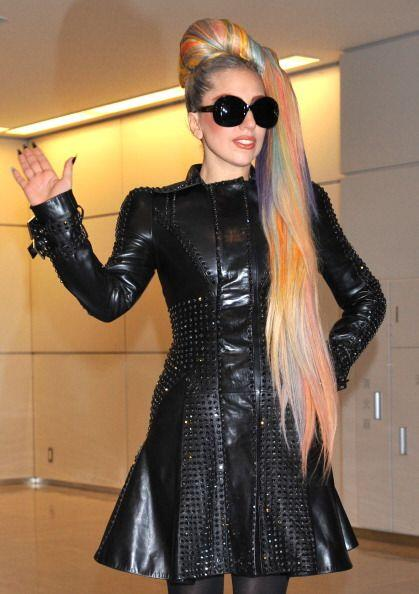 Aunque Lady Gaga a veces tiene ideas fuera de lo normal y de pésimo gust...