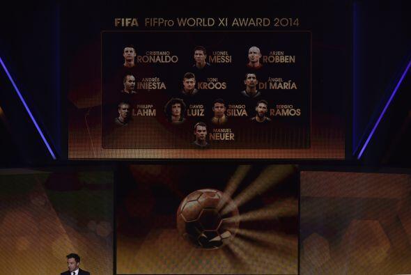 En el once ideal aparecen 3 alemanes, 2 argentinos, 2 brasileños,...