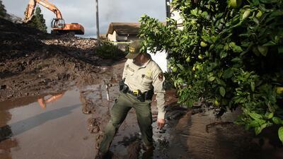 Ola de muerte y destrucción dejan tornados y lluvias en EEUU