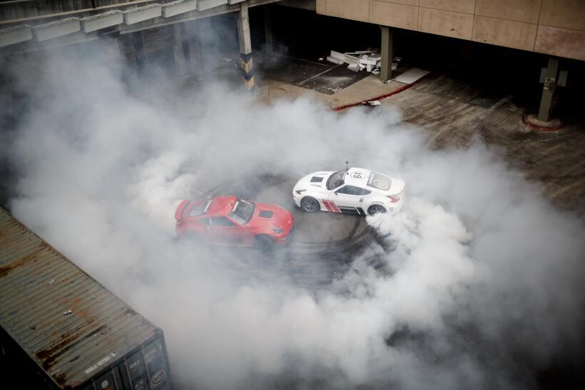 Dos unidades del modelo 370z han hecho de las suyas en la víspera del Bl...