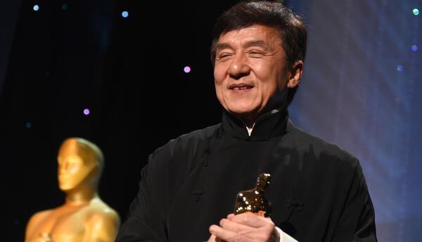 """Jackie Chan:""""Todo el mundo en Hollywood puede ser un superhéroe debido a..."""