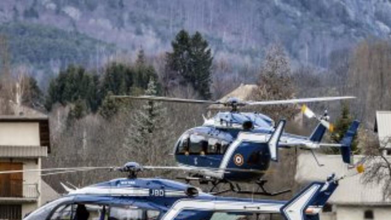 En el sureste de Francia, los equipos de rescate iniciaron el domingo su...