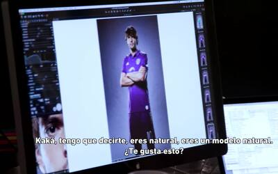 Kaká presentó la nueva playera del Orlando City y nosotros te mostramos...